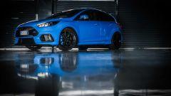 Ford Focus RS: in pista con 350 cv (e uno strano ospite) - Immagine: 63