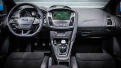 Ford Focus RS: in pista con 350 cv (e uno strano ospite) - Immagine: 76