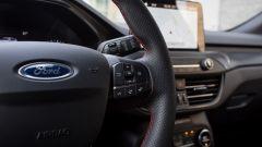 Ford Focus ST Line 2018: i comandi al volante