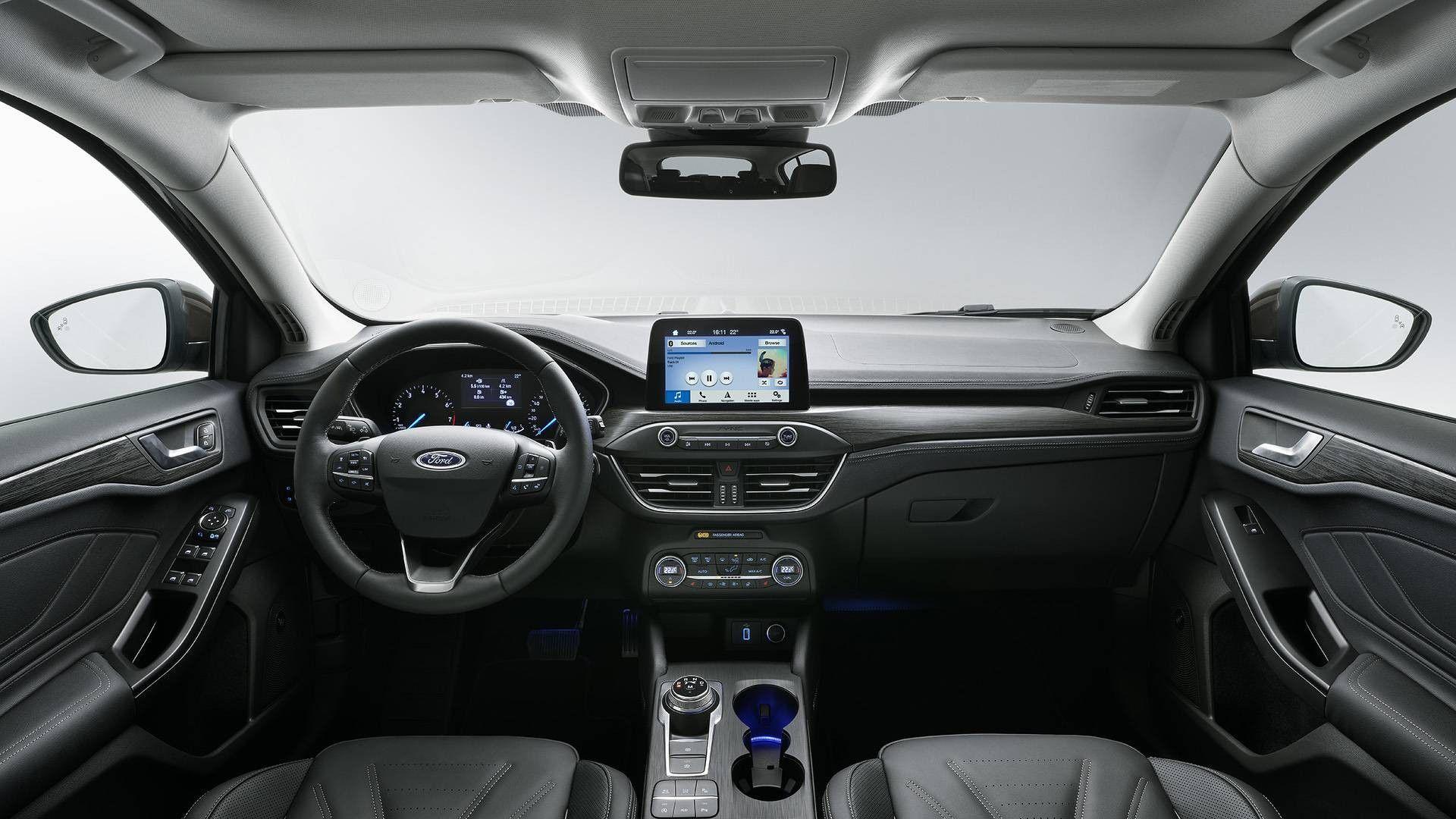 ford focus station wagon  lunghezza scheda tecnica prezzo motorbox