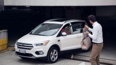 Ford Kuga 2017: uomini e donne a confronto - Immagine: 17