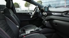 Ford Kuga 2020 Plug-In Hybrid ST-Line X: gli interni
