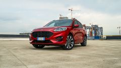 Ford Kuga 2020 Plug-In Hybrid ST-Line X: vista 3/4 anteriore