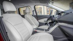 Ford Kuga: comodi i posti davanti
