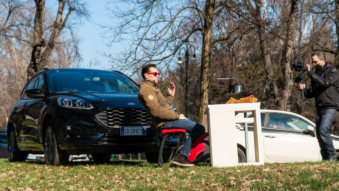 Ford Kuga smartworking: dietro le quinte in una location ''bucolica''