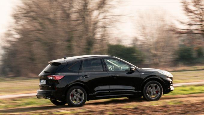 Ford Kuga smartworking: niente problemi nel fuoristrada leggero