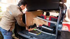 Ford Kuga smartworking: si carica tutto nel bagagliaio