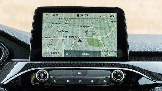 Ford Kuga vs Hyundai Tucson: il touchscreen della Kuga da 8''