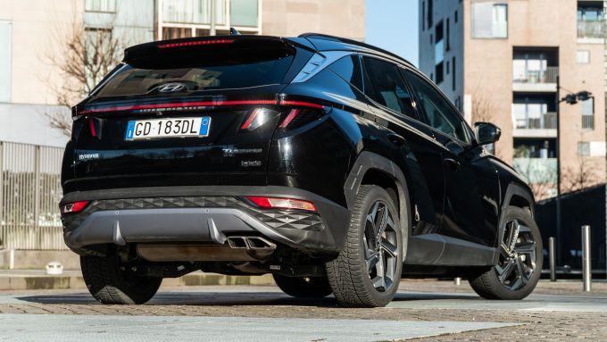 Ford Kuga vs Hyundai Tucson: lo stile audace del SUV coreano