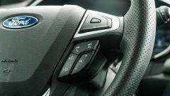 Ford Mondeo 2020 Hybrid Wagon, comandi al volante per il vivavoce