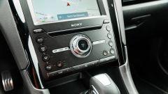 Ford Mondeo 2020 Hybrid Wagon, comandi audio e clima