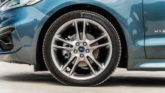 Ford Mondeo 2020 Hybrid Wagon, dettaglio della ruota anteriore