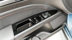 Ford Mondeo 2020 Hybrid Wagon, il pannello porta