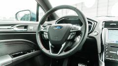 Ford Mondeo 2020 Hybrid Wagon, il volante