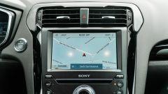 Ford Mondeo 2020 Hybrid Wagon, lo schermo touch dell'infotainment Sync 3