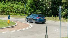 Ford Mondeo 2020 Hybrid Wagon su strada