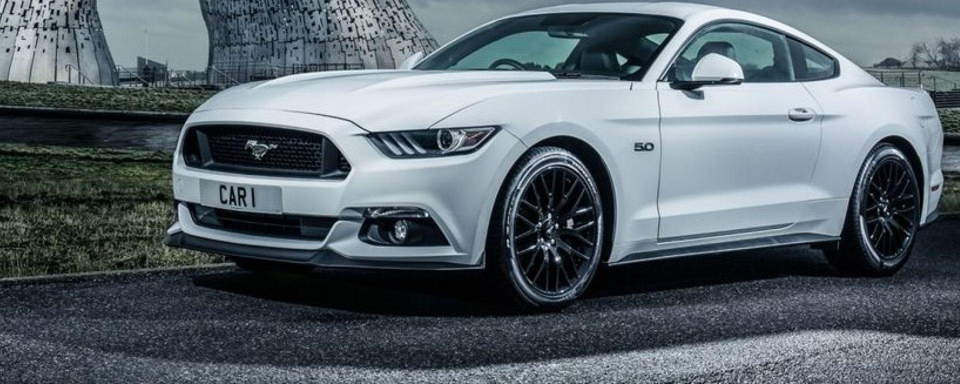 Ford Mustang è presente in 140 Paesi e tutti i continenti: qui e ritratta in Scozia
