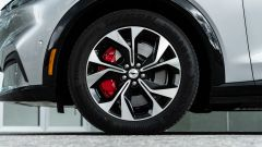 Ford Mustang Mach-e: cerchi in lega da 19 pollici