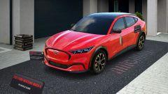 Ford Mustang Mach-E, con la realtà virtuale è già in garage