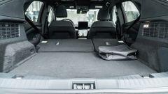 Ford Mustang Mach-e: il bagagliaio con schienale reclinato