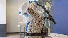 Ford PAPR, il respiratore per gli operatori sanitari indossato