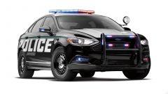 Ford Police Responder Hybrid Sedan: vista 3/4 anteriore