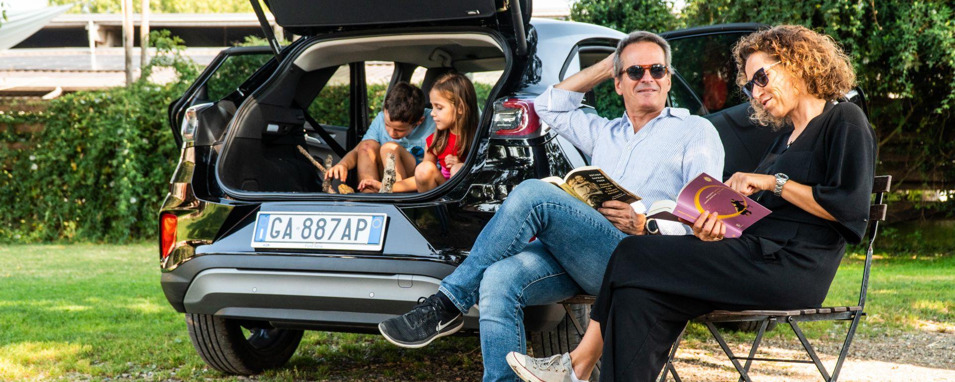 Ford Puma e una famiglia in vacanza