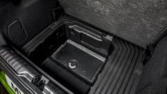 Ford Puma ST 2021: il MegaBox, un pozzetto da 80 litri impermeabile - e dotato di tappo per svuotarlo - per mettere anche le cos