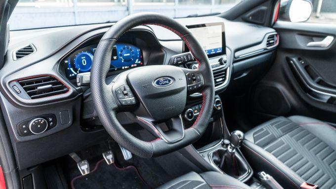 Ford Puma ST Line X: interni e strumentazione