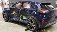 Ford Puma - test di impatto contro il palo dopo l'impatto