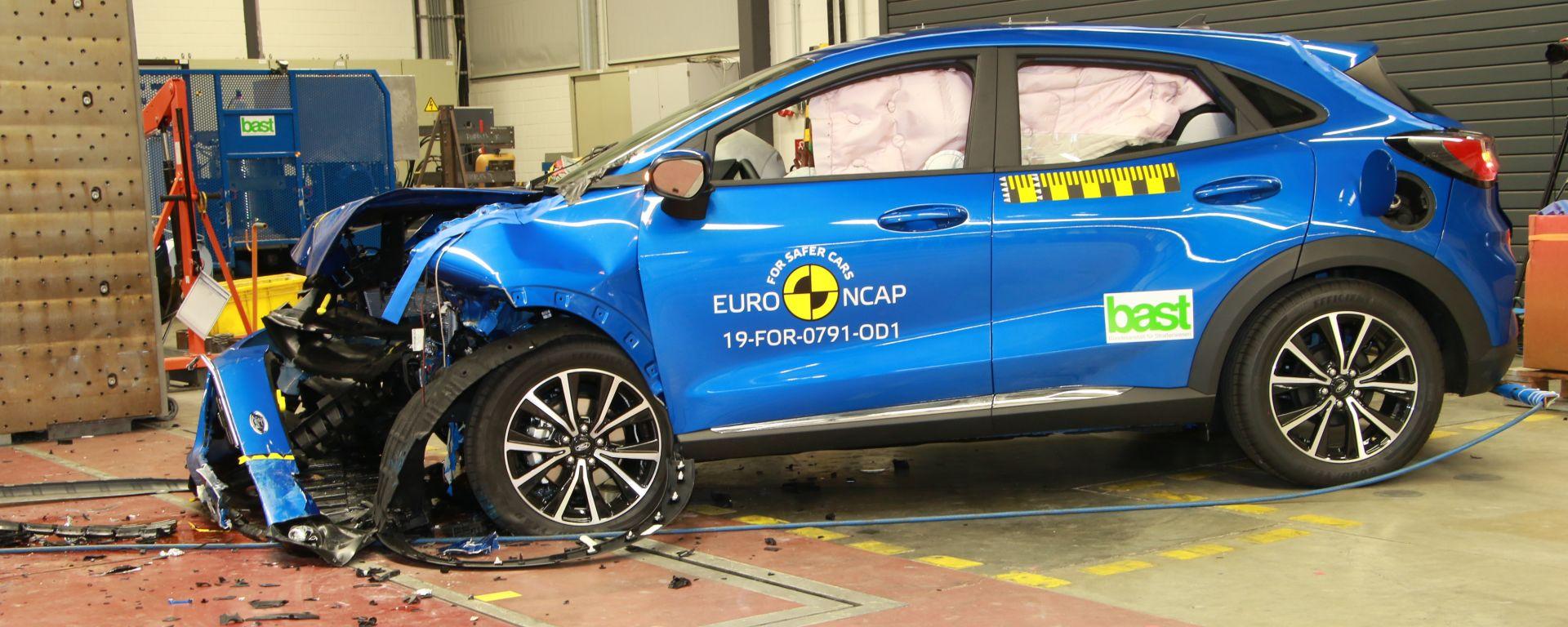 Ford Puma - test di impatto frontale disassato dopo l'impatto
