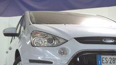 Ford S-Max 2013: la plastica dei fanali è ancora perfettamente trasparente