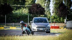 Ford S-Max e minimoto gp: la sfida in pista. Guarda il video - Immagine: 14