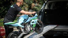 Ford S-Max e minimoto gp: la sfida in pista. Guarda il video - Immagine: 17