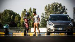 Ford S-Max e minimoto gp: la sfida in pista. Guarda il video - Immagine: 38