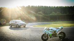 Ford S-Max e minimoto gp: la sfida in pista. Guarda il video - Immagine: 47
