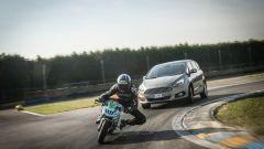 Ford S-Max e minimoto gp: la sfida in pista. Guarda il video - Immagine: 50