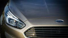 Ford S-Max: i nuovi fari full led