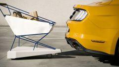 Ford Self-Braking Trolley: tamponamento sfiorato con una Ford Mustang