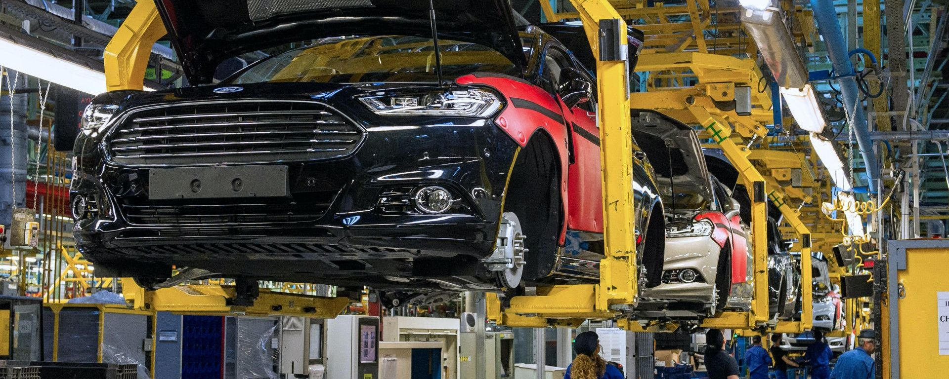 Ford, stop alla produzione in Europa