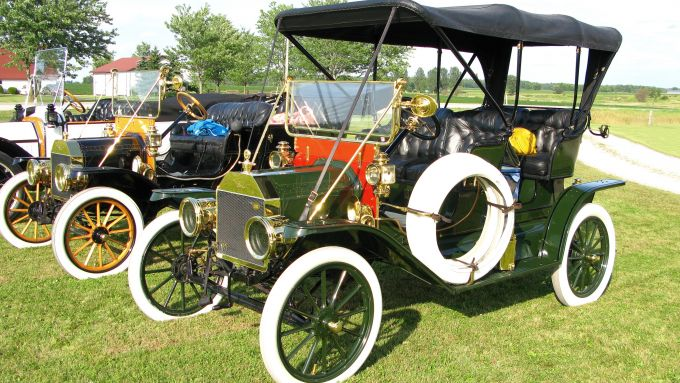 Ford T versione Tourabout del 1909 - foto By Magnolia677 - Own work, CC BY 4.0, https://commons.wikimedia.org/w/index.php?curid=