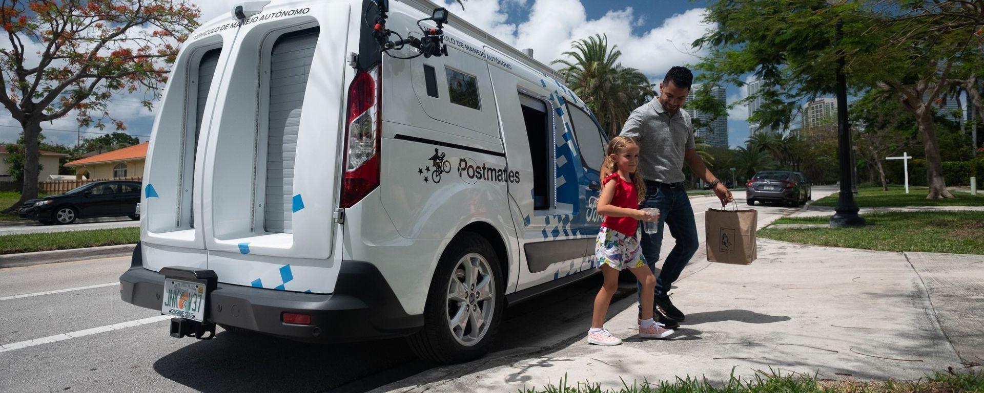 Ford Transit Connect, a Miami la consegna è a guida autonoma