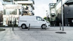 Ford Transit Custom PHEV: l'ibrido Plug-in dichiara 56 km di autonomia 100% elettrica