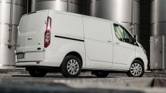 Ford Transit Custom Plug-in Hybrid: 3/4 posteriore