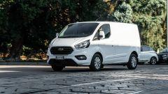 Ford Transit Custom Plug-in Hybrid: il furgone diventa ibrido