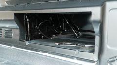 Ford Transit Custom Plug-in Hybrid: la paratia nel vano di carico