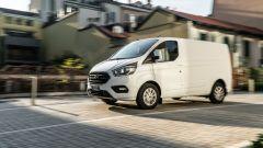 Ford Transit Custom Plug-in, la prova in video