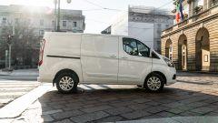 Ford Transit Custom Plug-in Hybrid: vista laterale