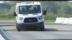 Ford Transit: test di durata coi robot - Immagine: 3