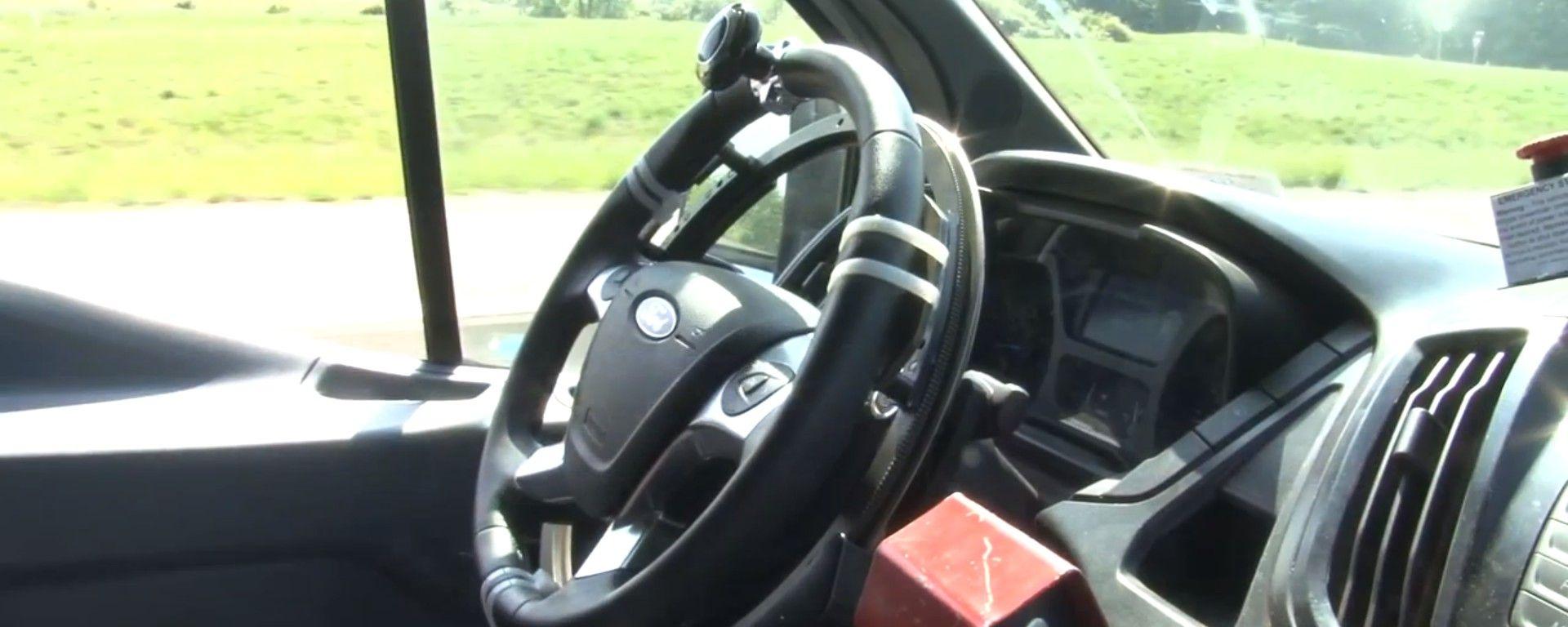 Ford Transit: test di durata coi robot